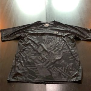 Athletic under Armour shirt